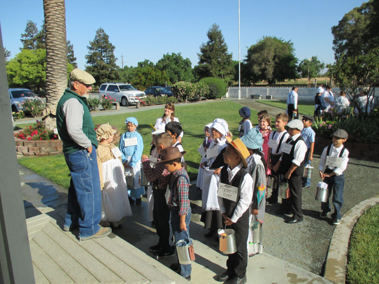 'Mr. Byer' welcomes students to the Byer-Nail House
